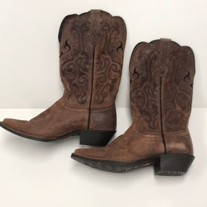 Justin Dark Brown Mustang Cowhide Boots size 7 1/2